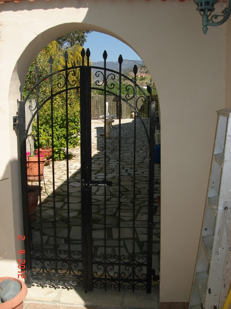 gate-to-rear-patio