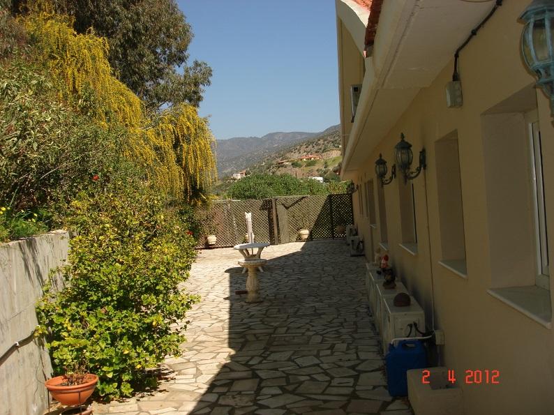 rear-patio-1