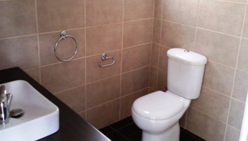 3-BEDROOM-IST-FLOOR-APT-WITH-COMMUNAL-SWIMMING-POOL-PYRGOS_3