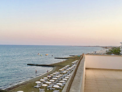 Larnaca – Perfect Investment or Incredible 2 bed apartment right on the beach